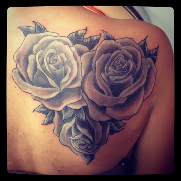 Heartshaped Roses Tattoo On Roos Maroen Franse